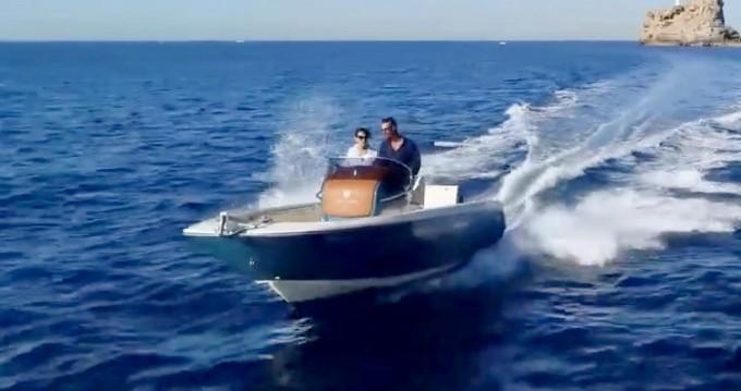 Location bateau Invictus  Invictus 200 FX à Ormos Panagias sur Samboat