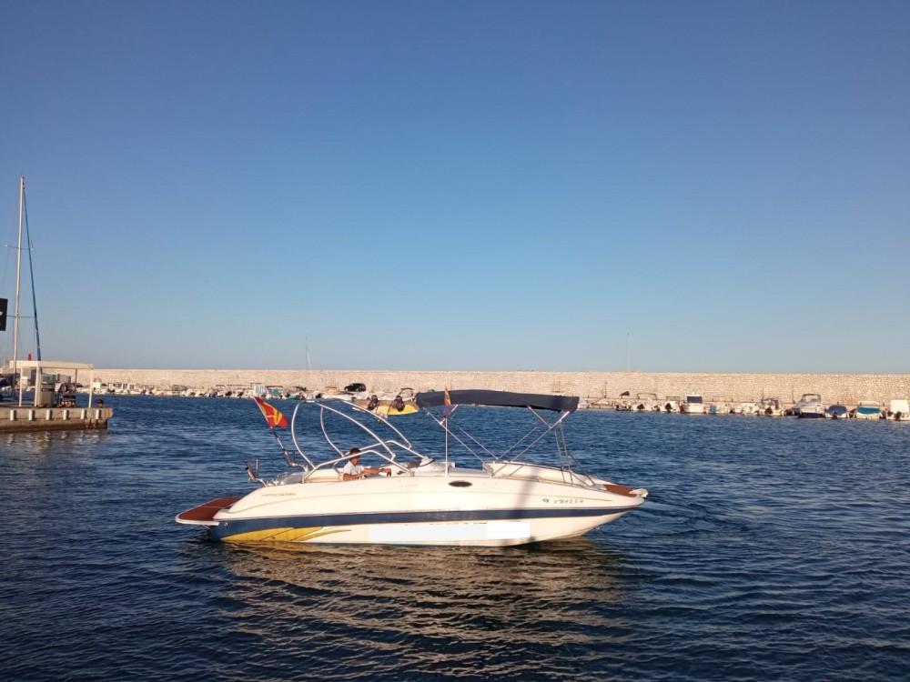 Louer Bateau à moteur avec ou sans skipper Monterey à Fuengirola
