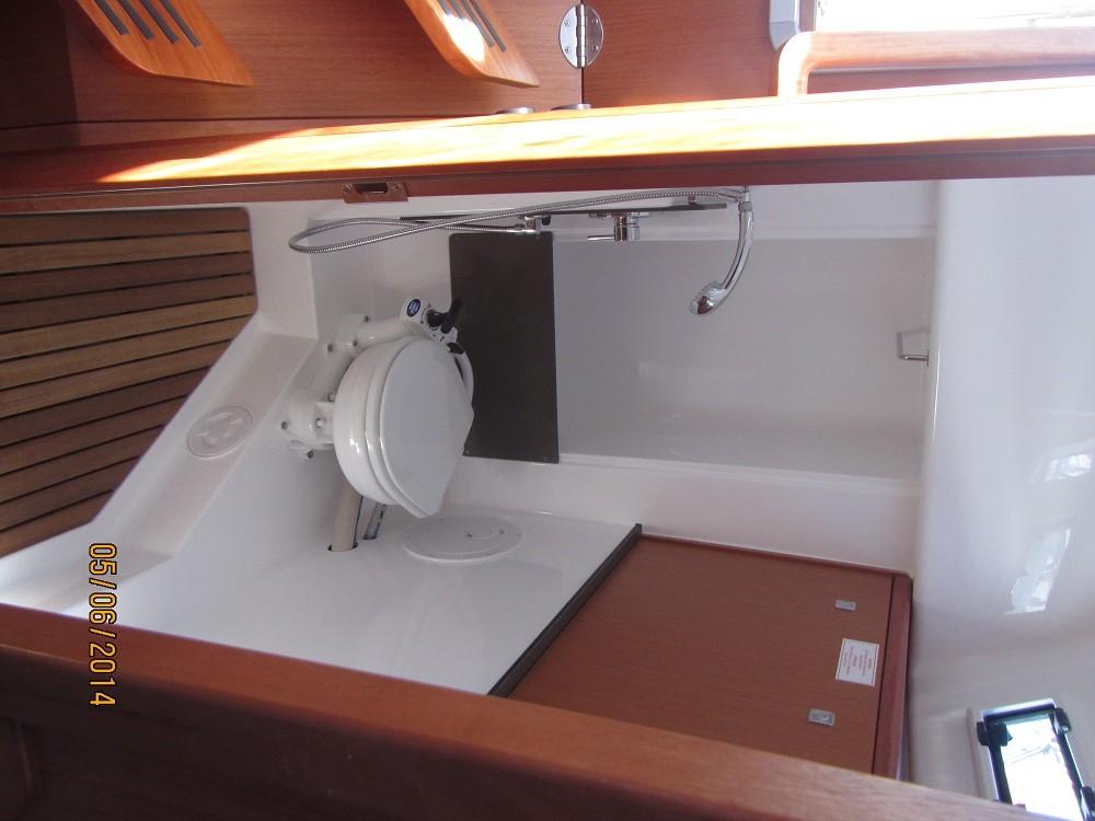 Louez un Bavaria Bavaria 33 Cruiser  à Biograd na Moru