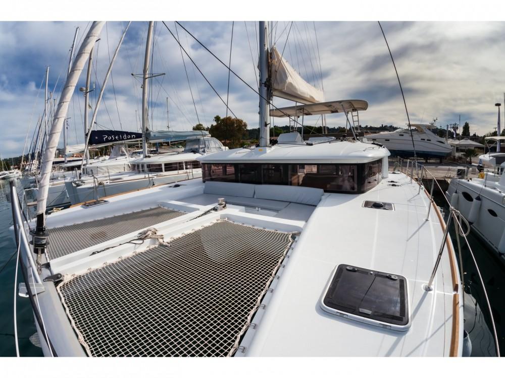 Louer Catamaran avec ou sans skipper Lagoon à Marina Gouvia