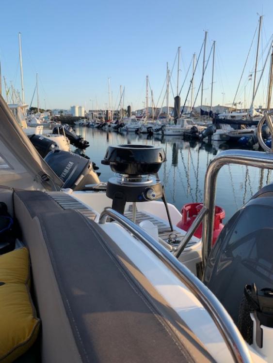 Location bateau Saint-Gilles-Croix-de-Vie pas cher Cap Camarat 6.5 DC Serie 2