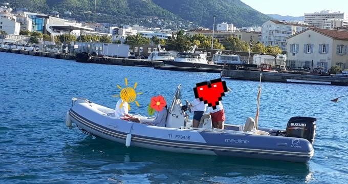Louez un Zodiac Medline 580 à Toulon