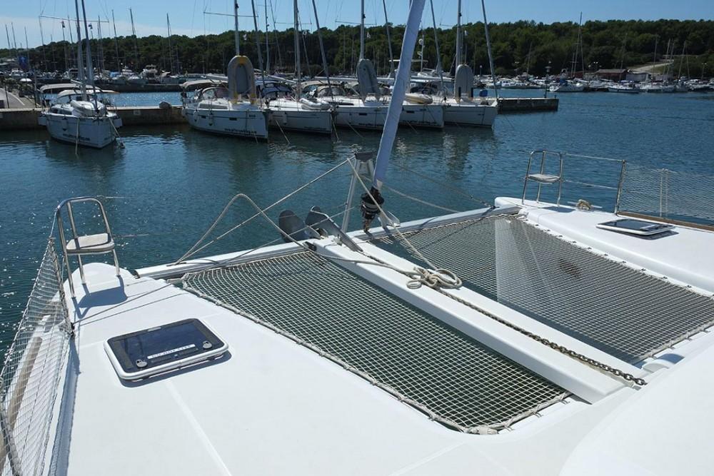 Louer Catamaran avec ou sans skipper Lagoon à Pula