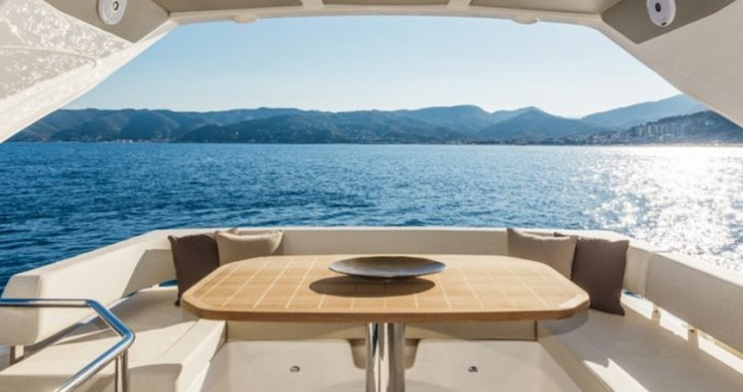 Location bateau Donji Seget pas cher Absolute 50 Fly