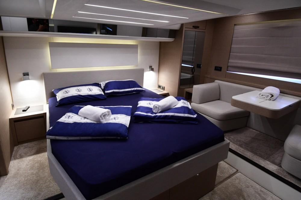 Location Yacht Jeanneau avec permis