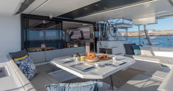 Location Catamaran à Procida - Robertson and Caine Leopard 50 PC