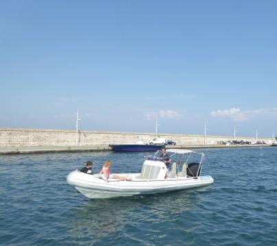 Louez un Asis 7.2 OPEN à Port Grimaud