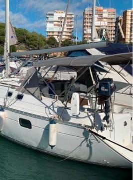 Bénéteau Oceanis 35.1 entre particuliers et professionnel à Puerto Dehesa De Campoamor