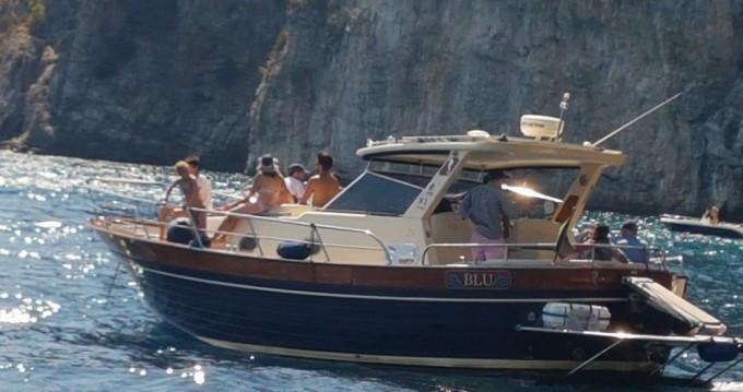 Location Bateau à moteur à Sorrento - Sorrentino Gozzo Futura 38' Cabin