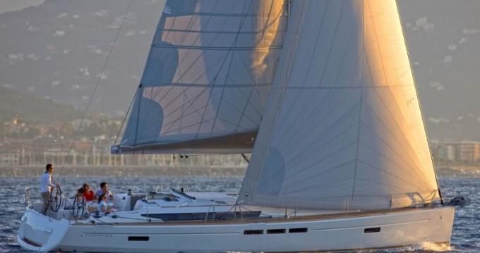 Location bateau Álimos pas cher Sun Odyssey 519