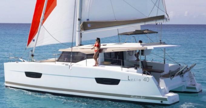 Location bateau Fountaine Pajot Lucia 40 à Tivat sur Samboat
