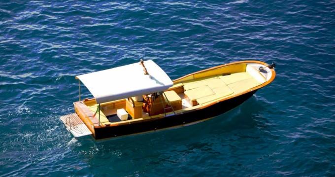 Bateau à moteur à louer à Positano au meilleur prix