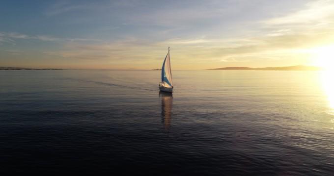 Location bateau Bavaria 32 Cruiser à Sanxenxo sur Samboat