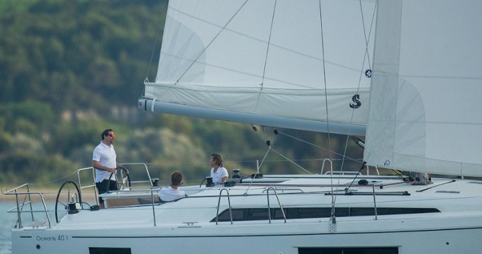 Location bateau Port de Lefkada pas cher Oceanis 40.1
