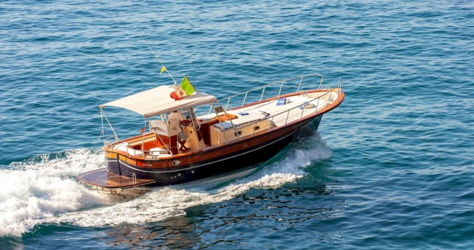 Location bateau Fratelli Aprea Sorrento 32 Open Cruise à Positano sur Samboat