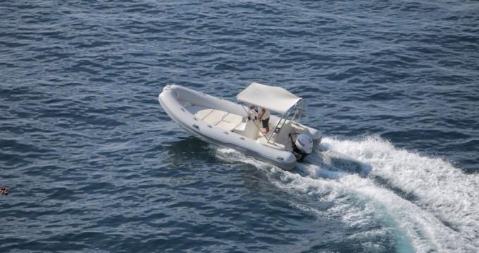 Louer Semi-rigide avec ou sans skipper Predator à Positano