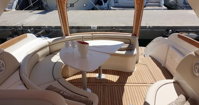 Louer Bateau à moteur avec ou sans skipper Jeanneau à Beaulieu-sur-Mer