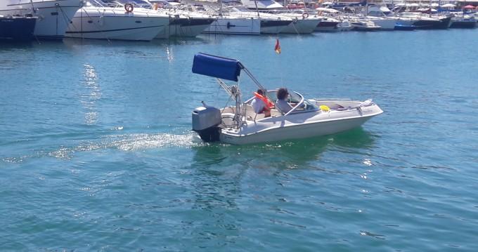 Louez un MV Marine 740 à Fuengirola