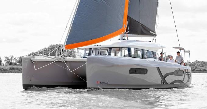 Location bateau San Vincenzo pas cher Excess 12