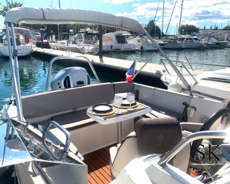 Location bateau La Grande-Motte pas cher Cap Camarat 7.5 WA