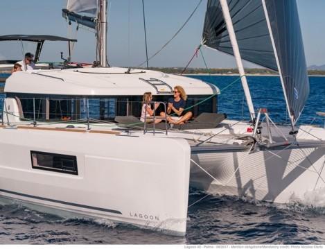 Location bateau Rhodes pas cher Lagoon 40