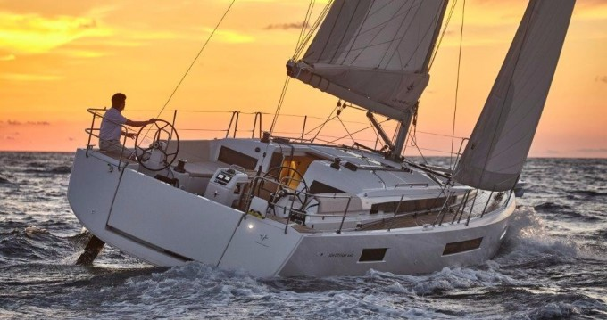 Location bateau Skiathos pas cher Sun Odyssey 440