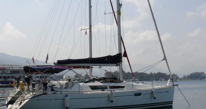 Louez un Jeanneau Sun Odyssey 36i à Elefsína