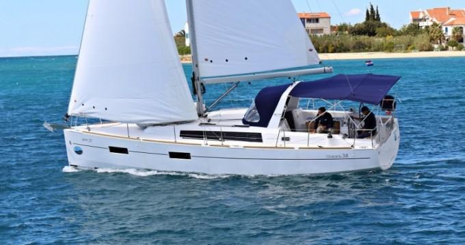 Location bateau Bénéteau Oceanis 381 à Palerme sur Samboat