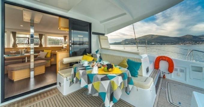 Catamaran à louer à Crljena au meilleur prix