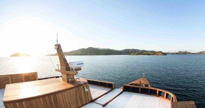 Louez un phinisi Phinisi motor yacht à Labuhanbajo