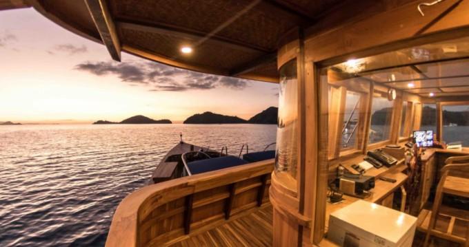 Location Yacht phinisi avec permis