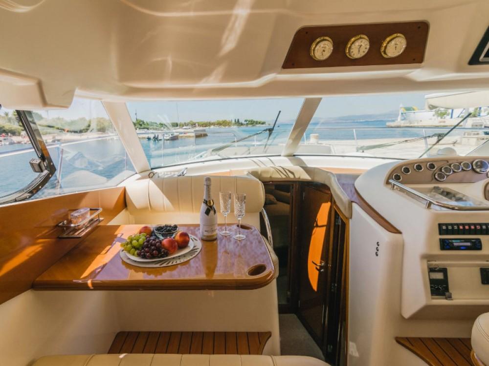 Location bateau Split pas cher Jeanneau Prestige 46 Fly