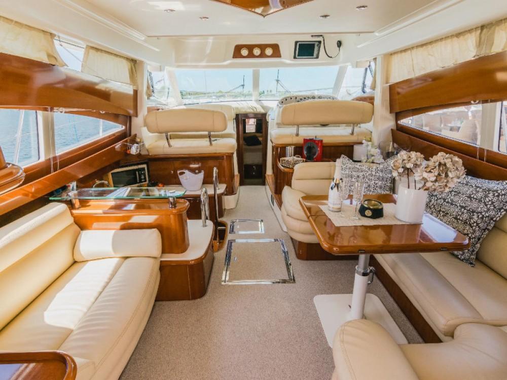Louez un Jeanneau Jeanneau Prestige 46 Fly à Split