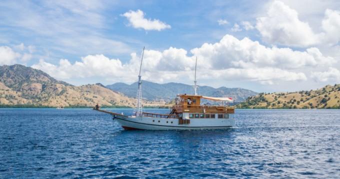 Louer Voilier avec ou sans skipper  à Labuan Bajo