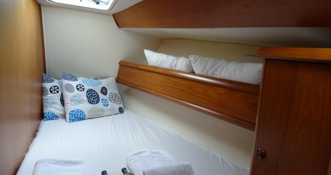 Location bateau Jeanneau Sun Odyssey 45.2 à Athènes sur Samboat