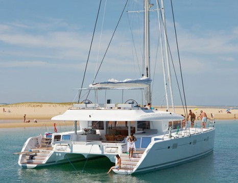 Location bateau Lávrio pas cher Lagoon 620