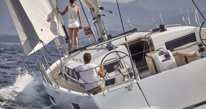 Location bateau Jeanneau Sun Odyssey 490 à Rhodes sur Samboat