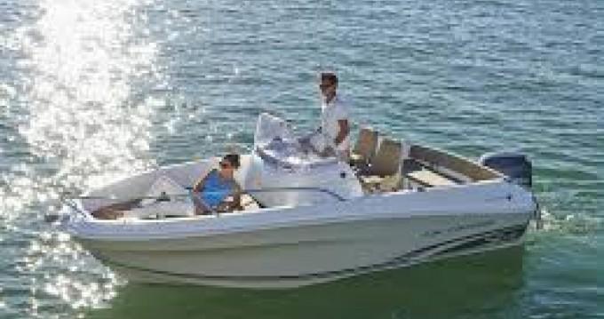 Louez un Jeanneau Cap Camarat 5.5 CC Serie 2 à Gustavia