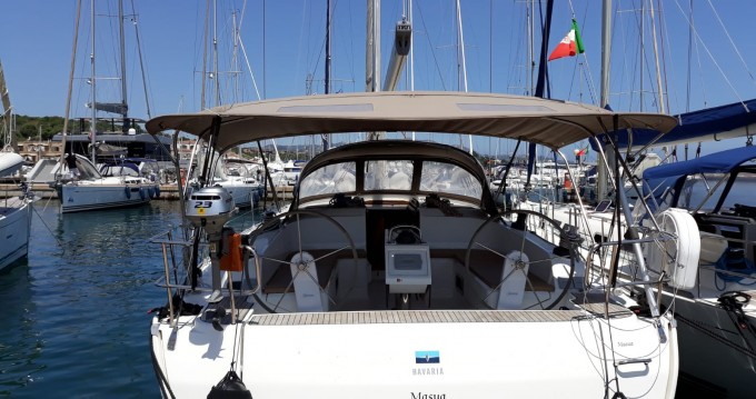 Voilier à louer à Marina di Portisco au meilleur prix
