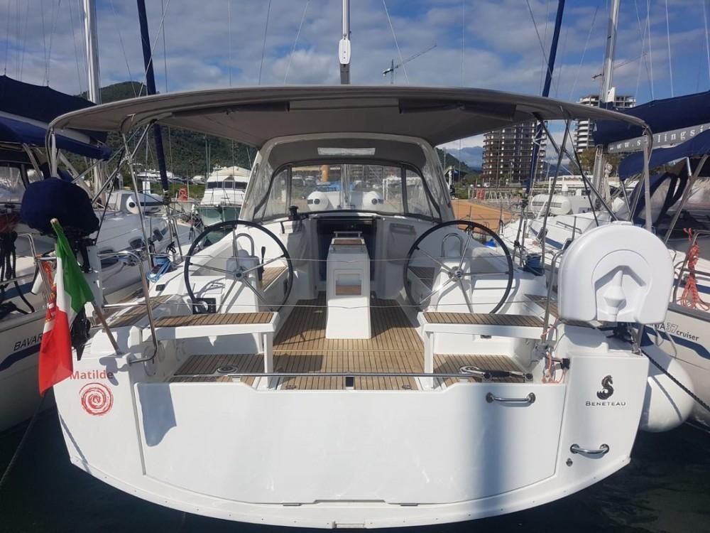 Location bateau Bénéteau Oceanis 38.1 à Campanie sur Samboat