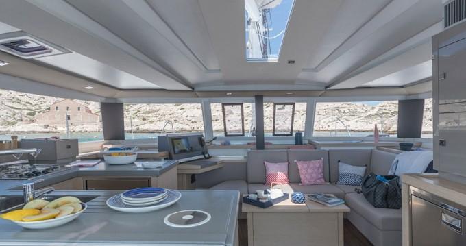 Location Catamaran à Marina Cay - Fountaine Pajot Astrea 42