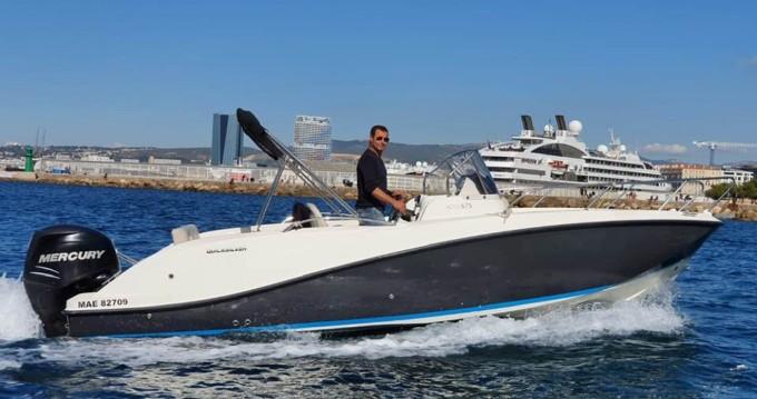 Louez un Quicksilver Activ 675 Sundeck à Marseille