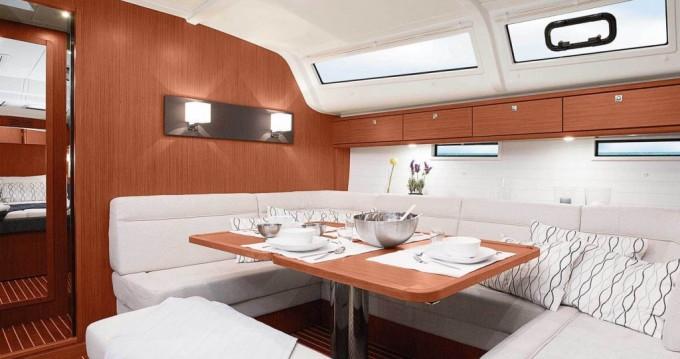 Louez un Bavaria Cruiser 51 à Athènes