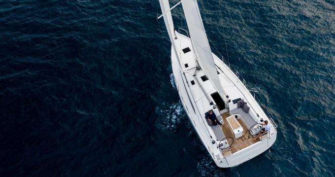 Location bateau Lávrio pas cher Oceanis 40.1