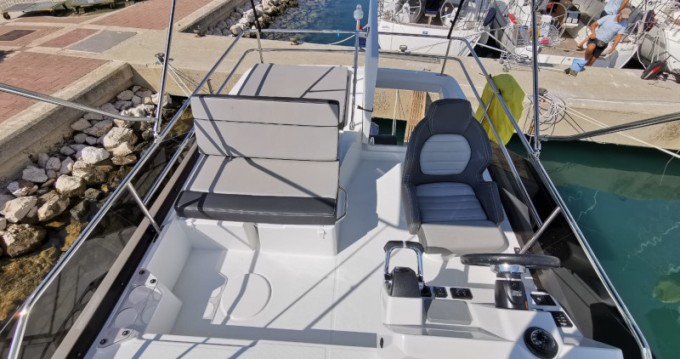Louer Bateau à moteur avec ou sans skipper Jeanneau à Sukošan