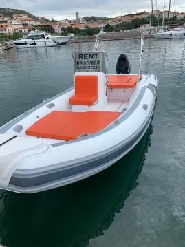 Motonautica-Vesuviana MV 620 entre particuliers et professionnel à Porto Rotondo