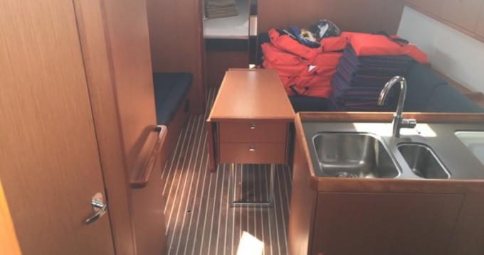 Location bateau Marina di Portorosa pas cher Bavaria Cr 37