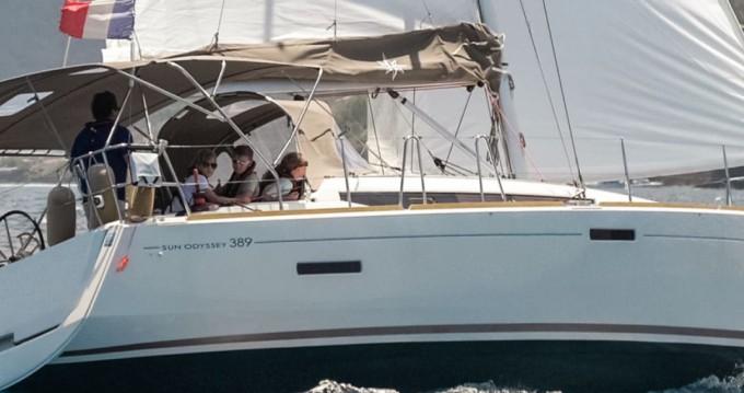 Location bateau Le Marin pas cher Sun Odyssey 389