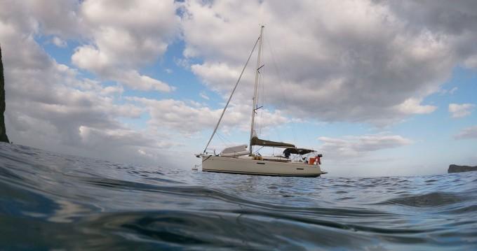 Louez un Jeanneau Sun Odyssey 389 à Le Marin