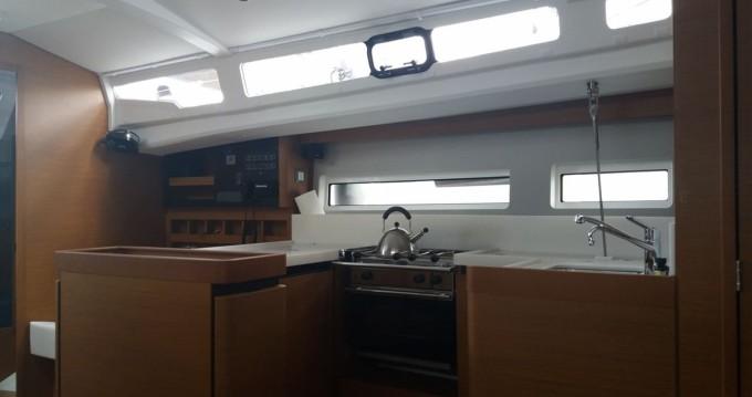 Location yacht à Le Marin - Jeanneau Sun Odyssey 440 sur SamBoat